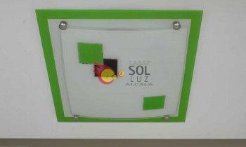 Plafón cuadrado con el cristal decorado con cuadrados en color verde
