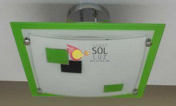Semiplafón cuadrado con el cristal decorado con cuadrados en color verde