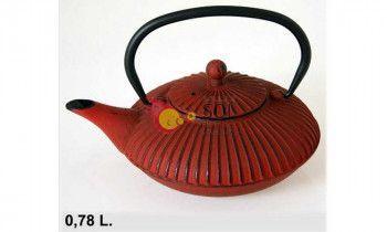 Tetera de hierro fundido en color rojo