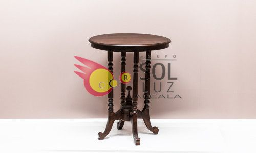 Mueble artesanal en madera maciza