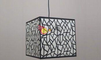 Lámpara cortada con láser en cuadrado