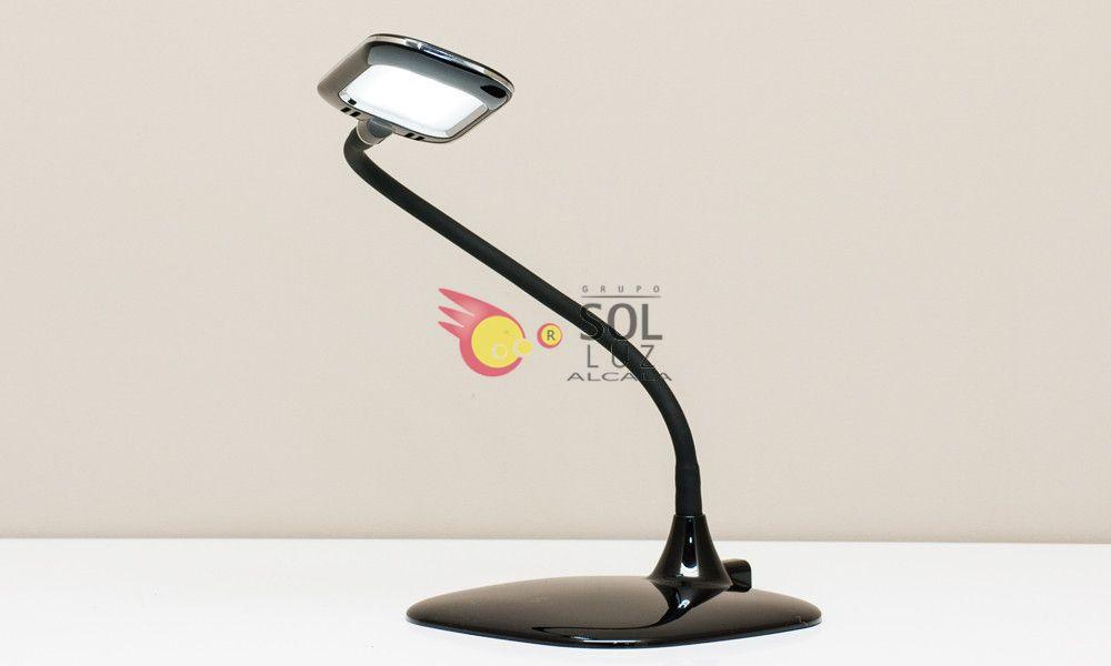 Flexo negro con lo último en tecnología LED