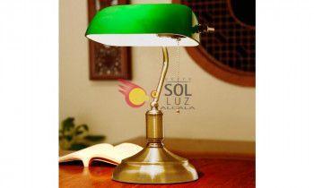 Lámpara de sobremesa banquero en verde