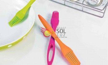 Pincel de silicona rosa